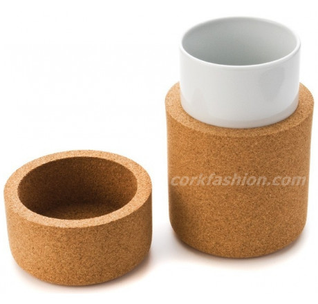 Cocoon Medium Cup (model 42.1W.02) from the manufacturer Simpleformsdesign